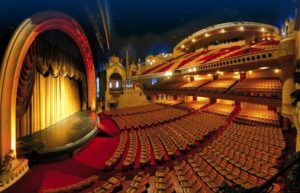 Vue de la salle de cinéma du Grand Rex à Paris